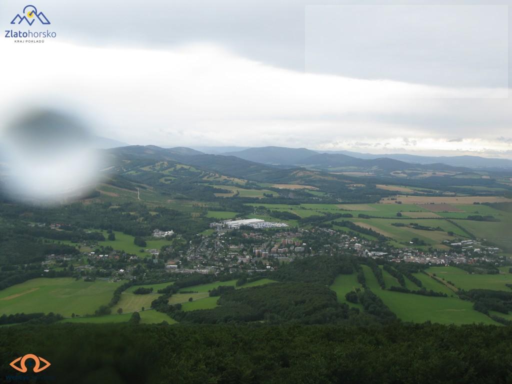 pohled z Biskupske kupy na esto Zlae Hory